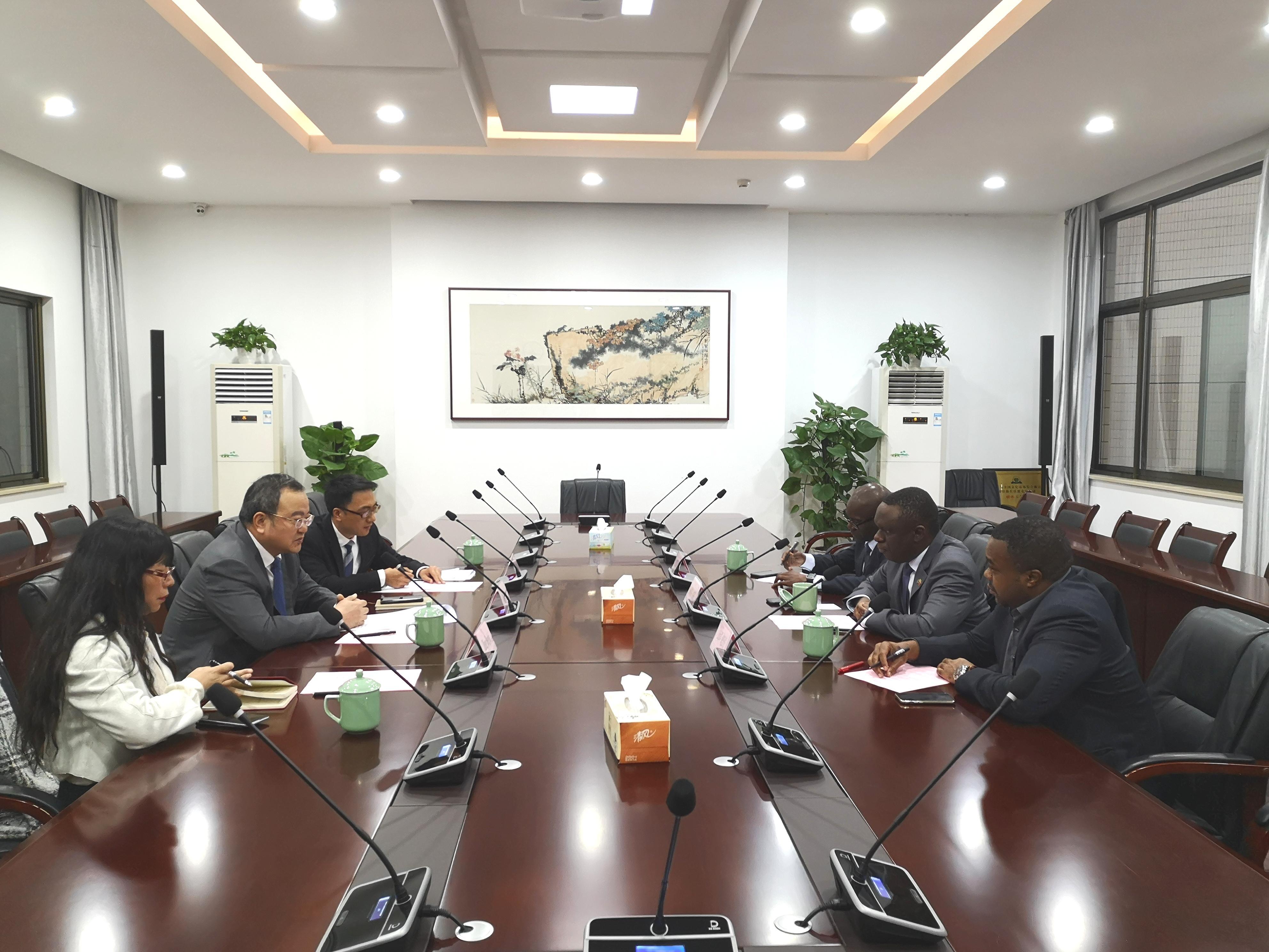 浙江省褚子育厅长会见坦桑尼亚驻华大使一行